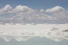 Picture Uyuni Salt Flats Tours (2 Days/1 Night), Bolivia. Tours en , Bolivia